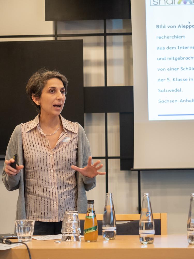 "Dr. Luisa Conti (Universität Jena) stellt Ergebnisse des EU-Projekts ""Shared Memories and Dialogues"" vor"